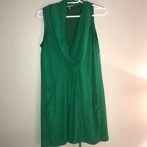 Kelly green sleeveless dress with pockets